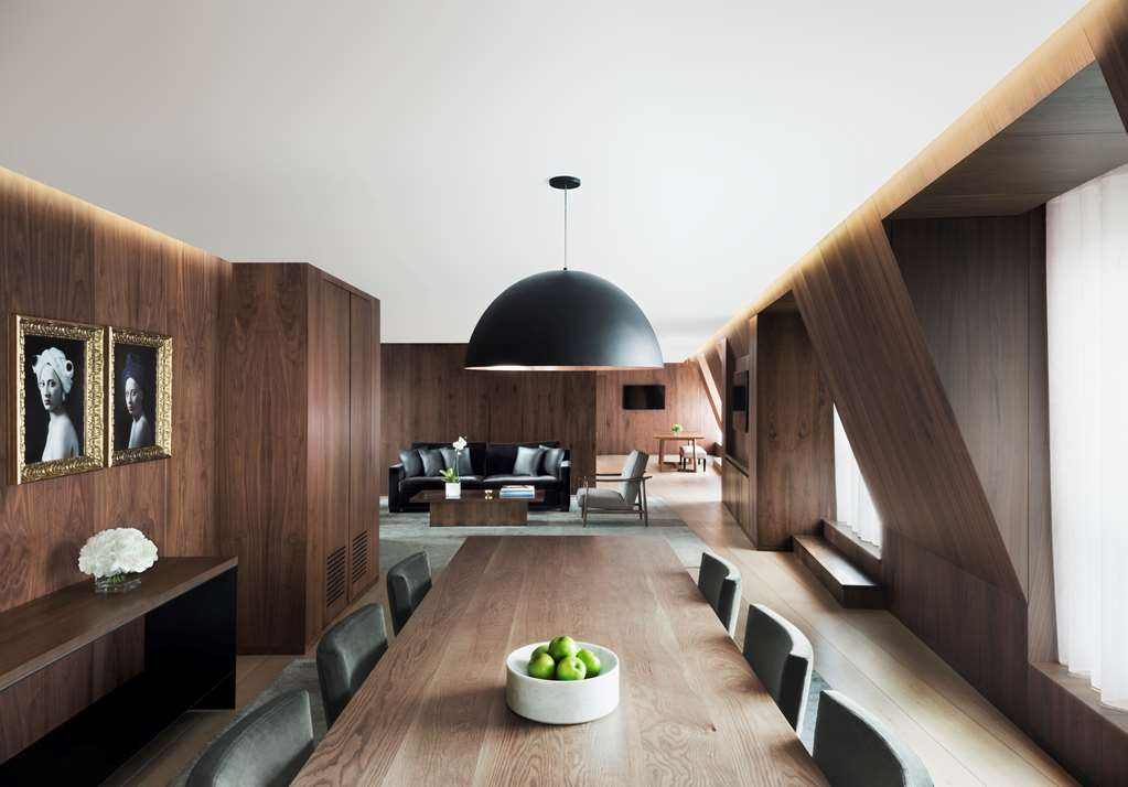 The London EDITION - PENTHOUSE Dining Area